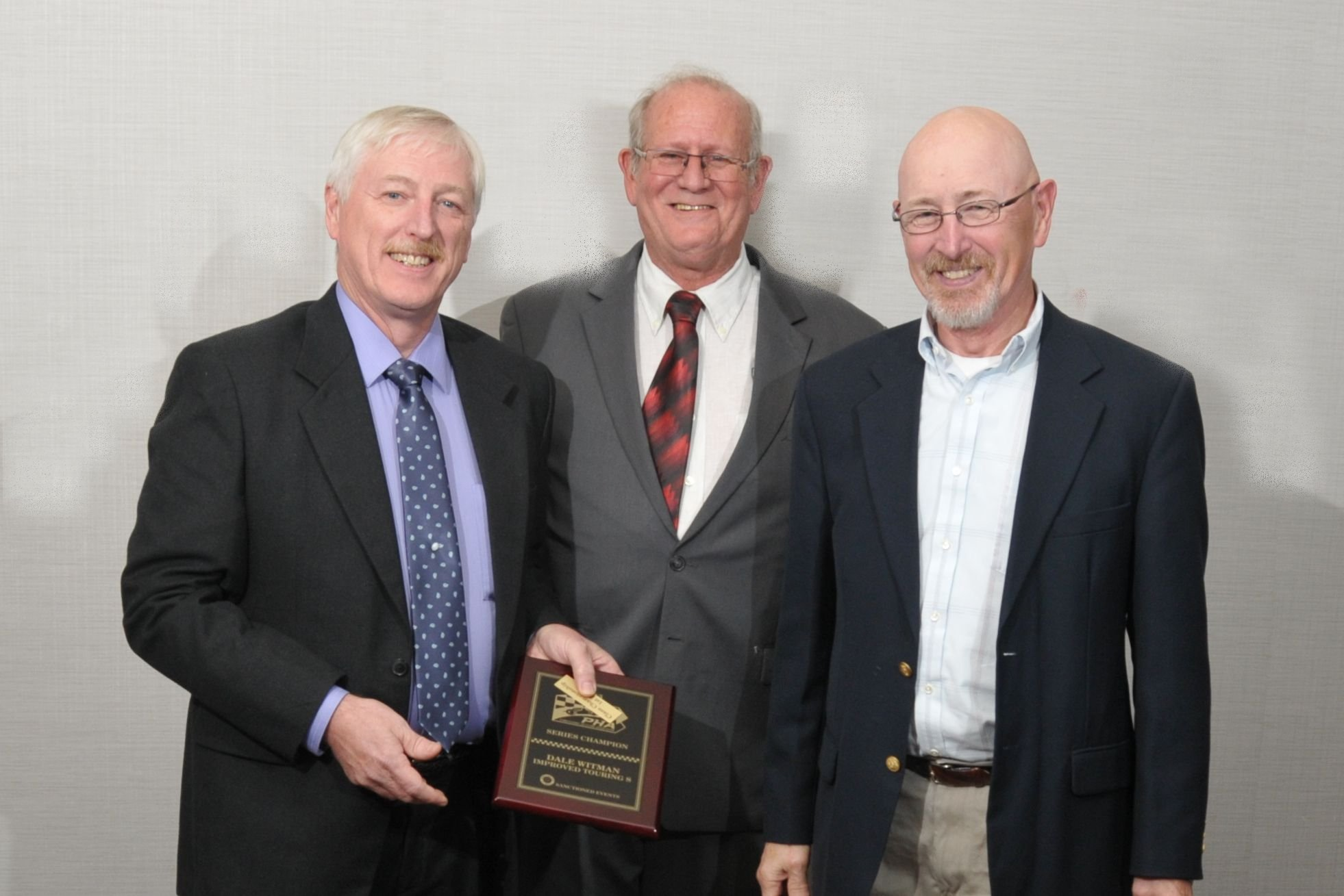 ITS - Dale Witman with PHA President Tom Knorr and Runner-up George Witman